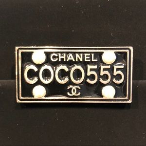 Authentic New CHANEL COCO 555 pin brooch 😍